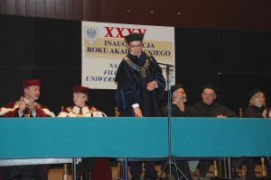 Uroczystość rozpoczęcia nowego roku akademickiego na Wydziale Filologicznym poprowadził dziekan prof. dr hab. Piotr Wilczek