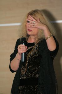 Dziekan WRiTv dr hab. Krystyna Doktorowicz