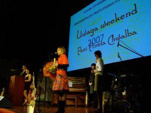 Anna Chwalba z TVP 3 Katowice, autorka programu 'Uwaga weekend' uhonorowanego nagrodą w kategorii 'Promotor kultury studenckiej'