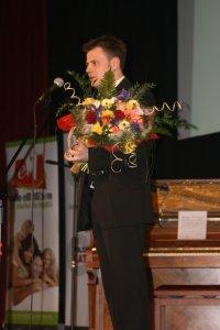 Jacek Janota odebrał nagrodę dla Lukas Banku - laureata nagrody w kategorii 'Organizacja przyjazna studentom'