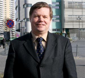 prof. zw. dr hab. Janusz Janeczek