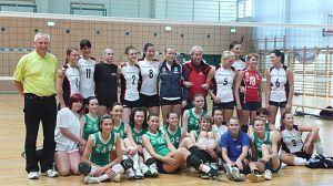 Zwyciężczyniami zostały zawodniczki z Uniwersytetu Szczecińskiego, przed uniwersyteckimi drużynami z Rzeszowa (miejsce II) i Łodzi (miejsce III). Reprezentantki Uniwersytetu Śląskiego uplasowały się na VII pozycji.