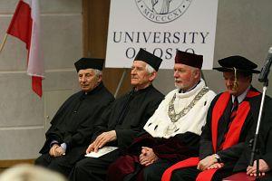Od lewej: prof. zw. dr hab. Tadeusz Niedźwiedź, prof. dr hab. Aleksander Guterch, JM Rektor Politechniki Śląskiej prof. dr hab. inż. Wojciech Zieliński, prof. dr Julian A. Dowdeswell