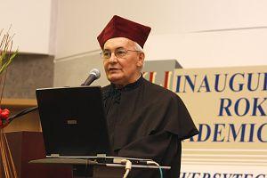 Po raz pierwszy w historii naszej Uczelni nadano tytuł Honorowego Profesora Uniwersytetu Śląskiego, otrzymał go były rektor UŚ prof. zw. dr hab. Maksymilian Pazdan