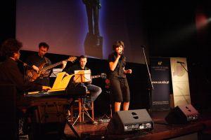 Marysia Górniok z zespołem