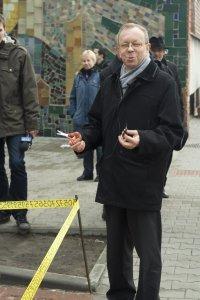 Prof. dr hab. Maciej Sablik uroczyście otworzył skwerek przed Wydziałem MFiCh